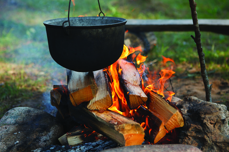 How to start a fire with a fire steel
